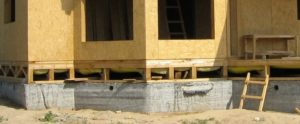 Какой фундамент лучше подойдет для каркасного дома